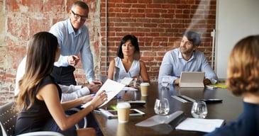 Grupo de personas de RRHH implementando una gestion de capital humano para tener un proceso de seleccion exitoso-1
