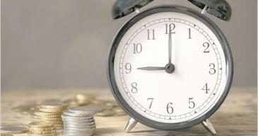 reloj-alarma-monedas